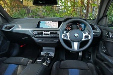 BMW M235i XGCメーター