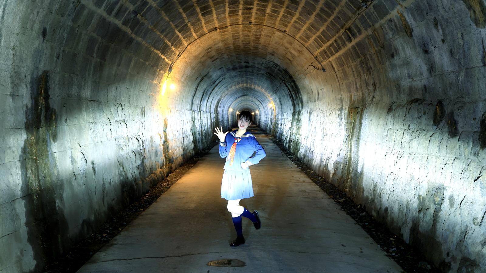「ベロフ「プレシャス・レイZ」なら1万円でLEDヘッドライトに交換!梅本まどかがやってみた!!」の25枚目の画像