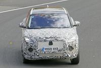 14.1インチ湾曲スクリーン搭載か? ジャガー E-Pace改良型をキャッチ - Jaguar E-Pace facelift 1