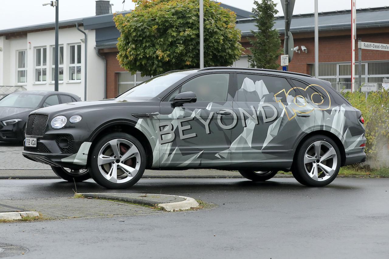 「「Beyond 100」戦略初のモデル、ベントレー・ベンテイガ「EWB」開発車両がテスト中!」の5枚目の画像