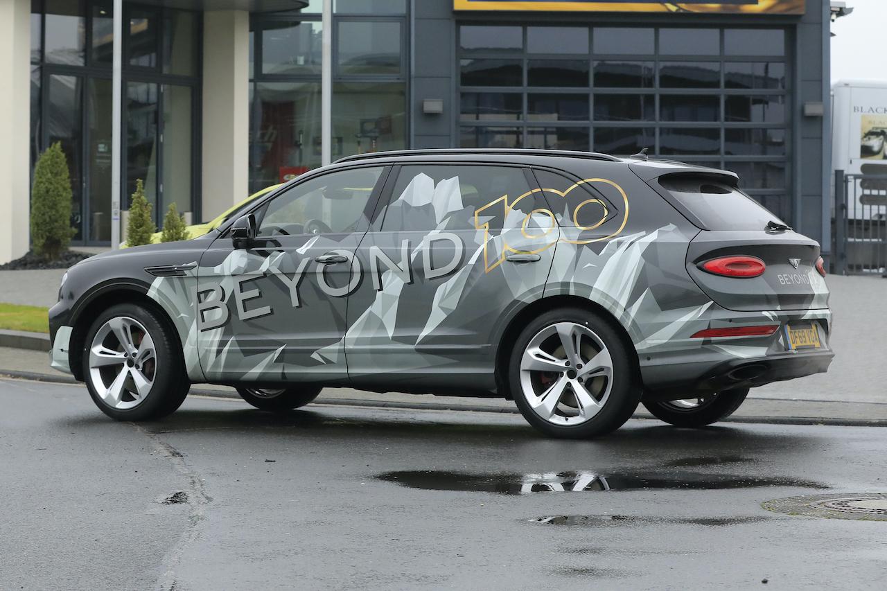 「「Beyond 100」戦略初のモデル、ベントレー・ベンテイガ「EWB」開発車両がテスト中!」の7枚目の画像