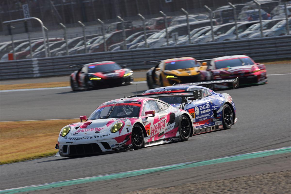 HOPPY Porscheとリアライズ 日産自動車大学校 GT-Rのバトル