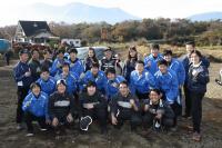 中央自動車大学校の学生と川畑選手
