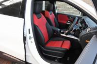 GLA 200d 4マチック フロントシート