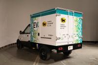 実は日本初!クロネコヤマトの新しいトラックは宅配専用EVトラックだ - J5DA5644