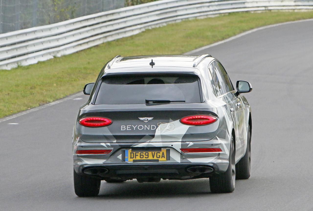 「ベントレー「Beyond100」プラン初のモデル、ベンテイガ「EWB」がニュルで高速テスト」の11枚目の画像