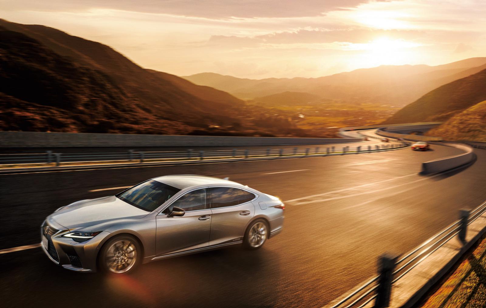 「レクサスLSがビッグマイナーチェンジ。乗り心地や静粛性の向上など、快適性をさらにアップ【新車】」の1枚目の画像