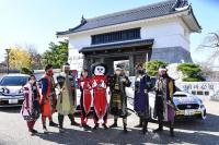岡崎公園大手門にラリーカー展示