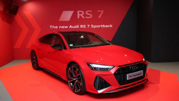 アウディ RS 7 スポーツバック