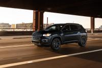 グラナイト系のアクセントカラーが配されたジープ・コンパス「S-モデル」を設定【新車】 - Jeep_compass_20201202_3