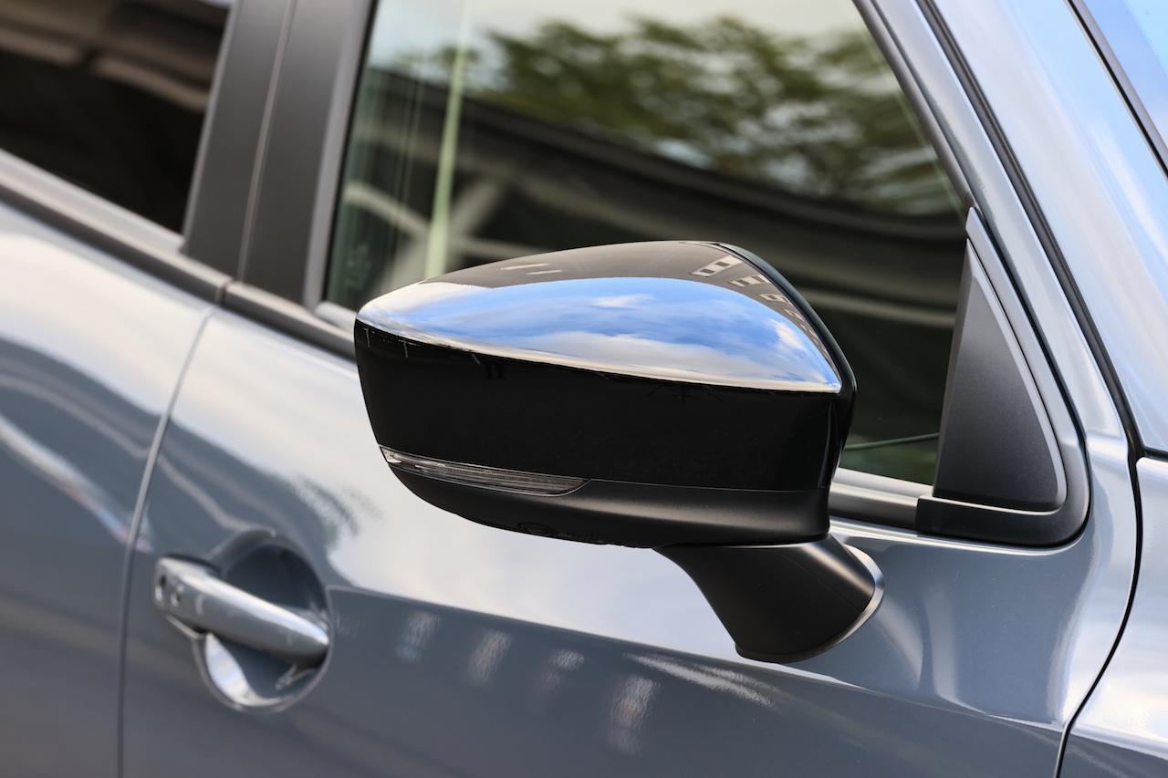 「MAZDA 2に上質でスポーティな特別仕様車の「BLACK TONE EDITION」が登場」の4枚目の画像