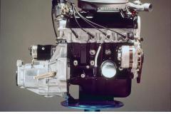 1973年12月13日に発売されたホンダ・シビックに搭載されたCVCCエンジン
