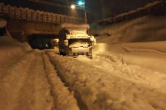 関越道では24時間で113cmの大雪で、進むこともできなかった(提供=東日本高速)