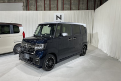 Honda N-BOX Custom