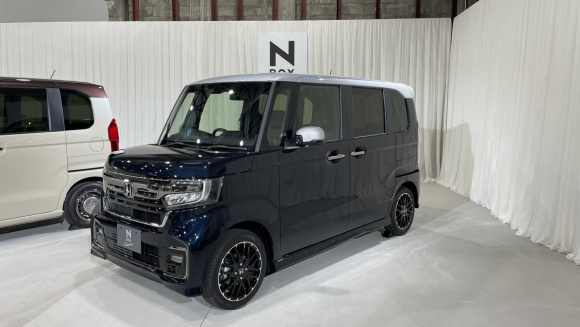 Honda N-BOX Custom