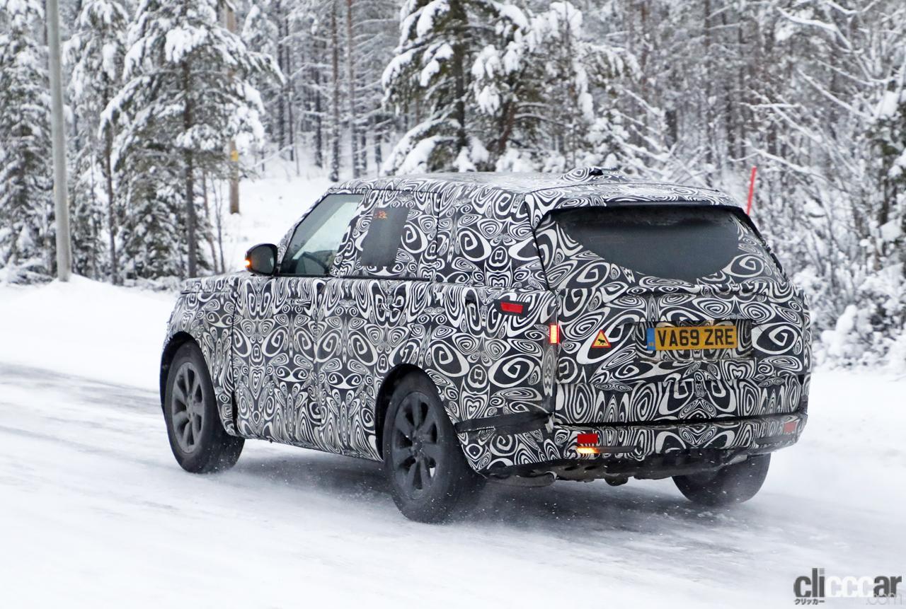 「プレミアムSUVの代名詞・レンジローバーの次期型はBMW製V8で豪雪を激走中」の10枚目の画像
