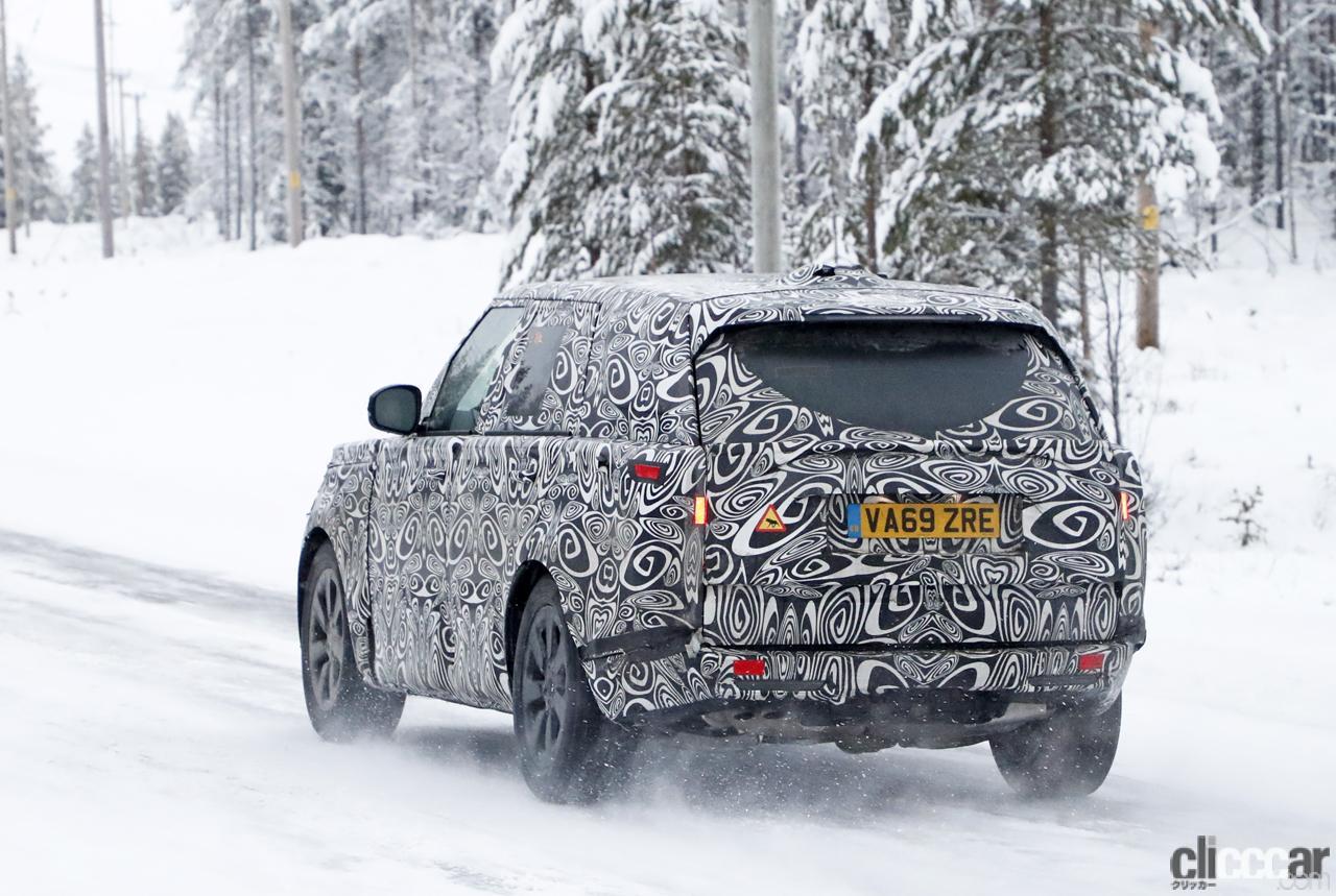 「プレミアムSUVの代名詞・レンジローバーの次期型はBMW製V8で豪雪を激走中」の11枚目の画像