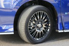 セレナAUTECH SPORTS SPEC タイヤ&ホイール