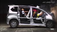 一般道の後席シートベルトは未だに約60%が非着用!「締めていない」と衝突事故時に起こる危険性はどうなる?  - JAF_SEATBELT_TEST02