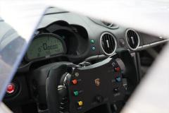 M's Cayman GT3のコックピット