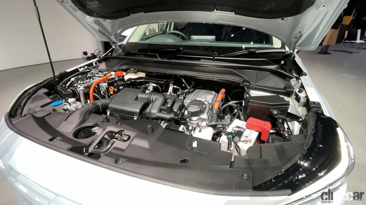 新型ヴェゼルのエンジン