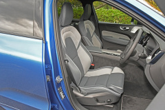 ボルボXC60-B6-Rデザインフロントシート