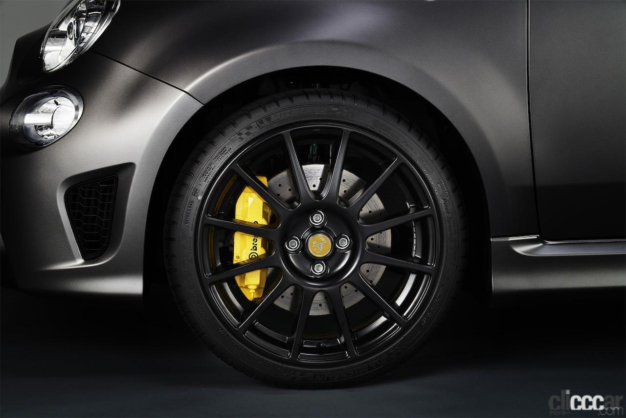 「最もレーシーな限定車「アバルト595 モメント」が412万円・80台限定で登場!」の7枚目の画像
