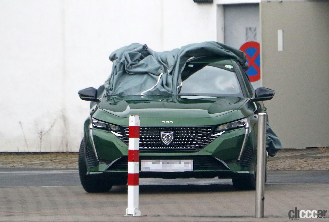 「新ライオンロゴも装着されるプジョー308次期型、衝撃のフルヌード公開!」の2枚目の画像