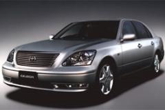 2003年発売のセルシオ