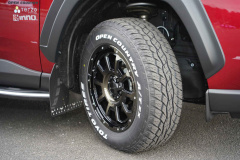 タイヤはTOYO TIRESのOPEN COUNTRY R/T