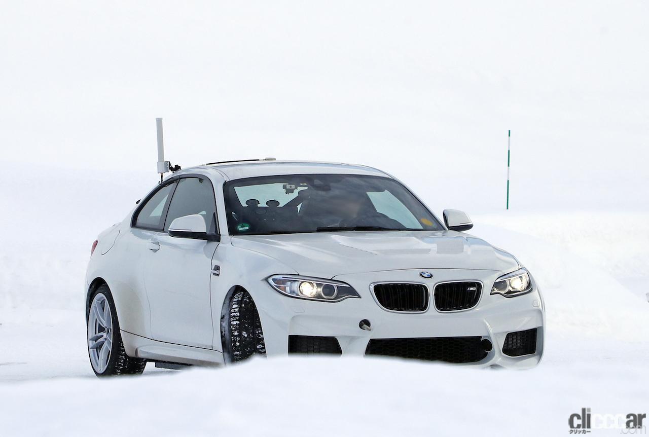 「BMWの高性能モデル「M」に初のフルEV設定か!? プロトタイプを激写」の1枚目の画像