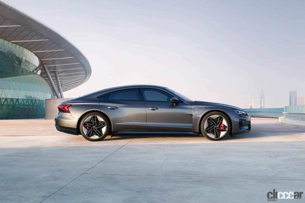 「アウディのEVらしい先進的でクールなエクステリアが際立つ「Audi e-tron GT」が日本初公開」の3枚目の画像