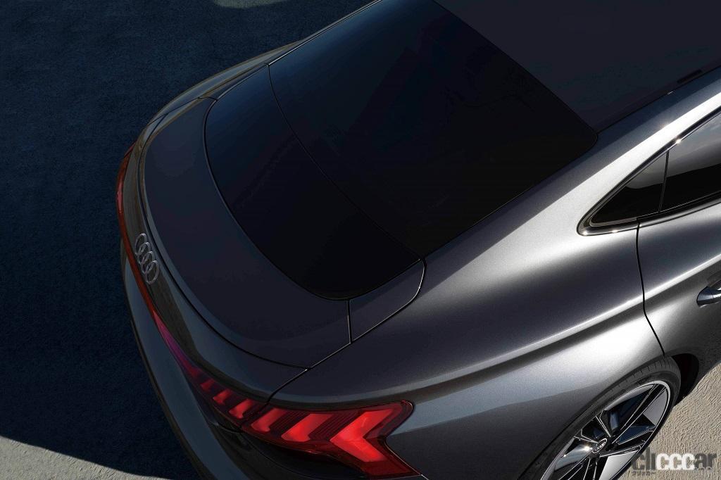 「アウディのEVらしい先進的でクールなエクステリアが際立つ「Audi e-tron GT」が日本初公開」の4枚目の画像