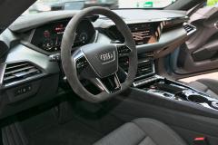 アウディe-tron GTの内装01