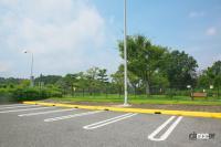 中国自動車道・勝央SA(上り)は人工芝と見間違えるほど手入れの行き届いた緑の絨毯は圧巻!【全国高速道路SAドッグラン探訪】 - sa_dogrun_004