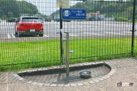 中国自動車道・勝央SA(上り)は人工芝と見間違えるほど手入れの行き届いた緑の絨毯は圧巻!【全国高速道路SAドッグラン探訪】 - sa_dogrun_007