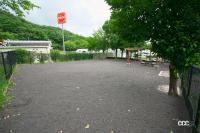 「東海北陸自動車道・関SA(上り)はドッグラン以外にもワンちゃんがリラックスできるスペースが充実【全国高速道路SAドッグラン探訪】」の13枚目の画像ギャラリーへのリンク
