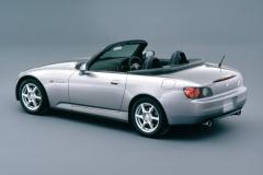1999年発売のS2000