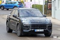 この囲いの中に911風ギアシフターが…ポルシェ カイエン改良型、デジタル化が加速 - Porsche Cayenne facelift 3