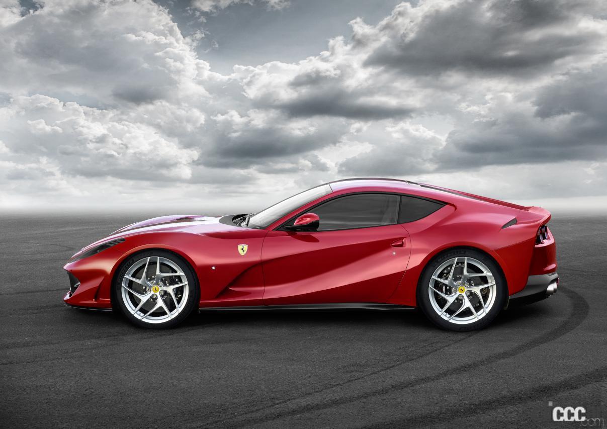 「V12エンジン搭載の新スペシャルモデル・812コンペティツィオーネを発表!価格は約6545万円から【新車発表・フェラーリ】」の3枚目の画像