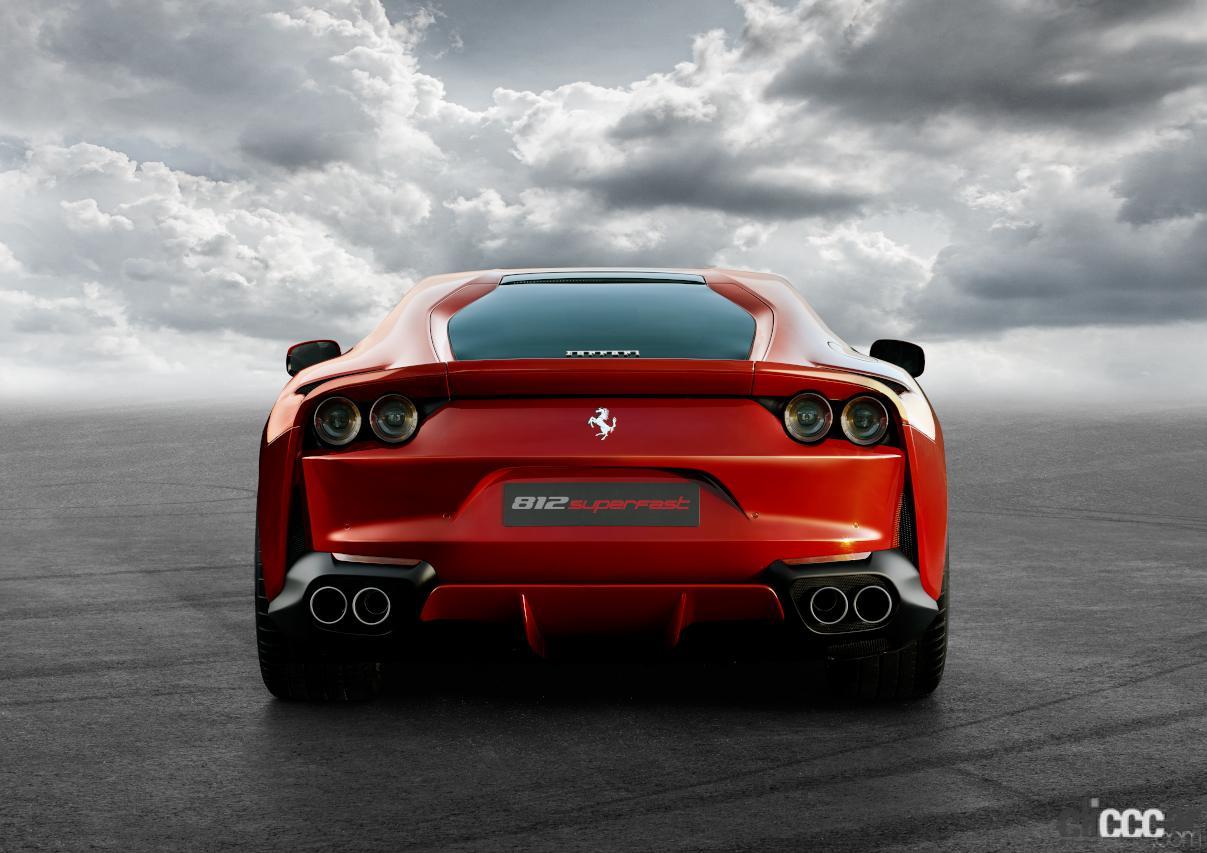 「V12エンジン搭載の新スペシャルモデル・812コンペティツィオーネを発表!価格は約6545万円から【新車発表・フェラーリ】」の2枚目の画像
