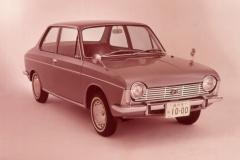 1966年発売のスバル1000_2ドアセダン