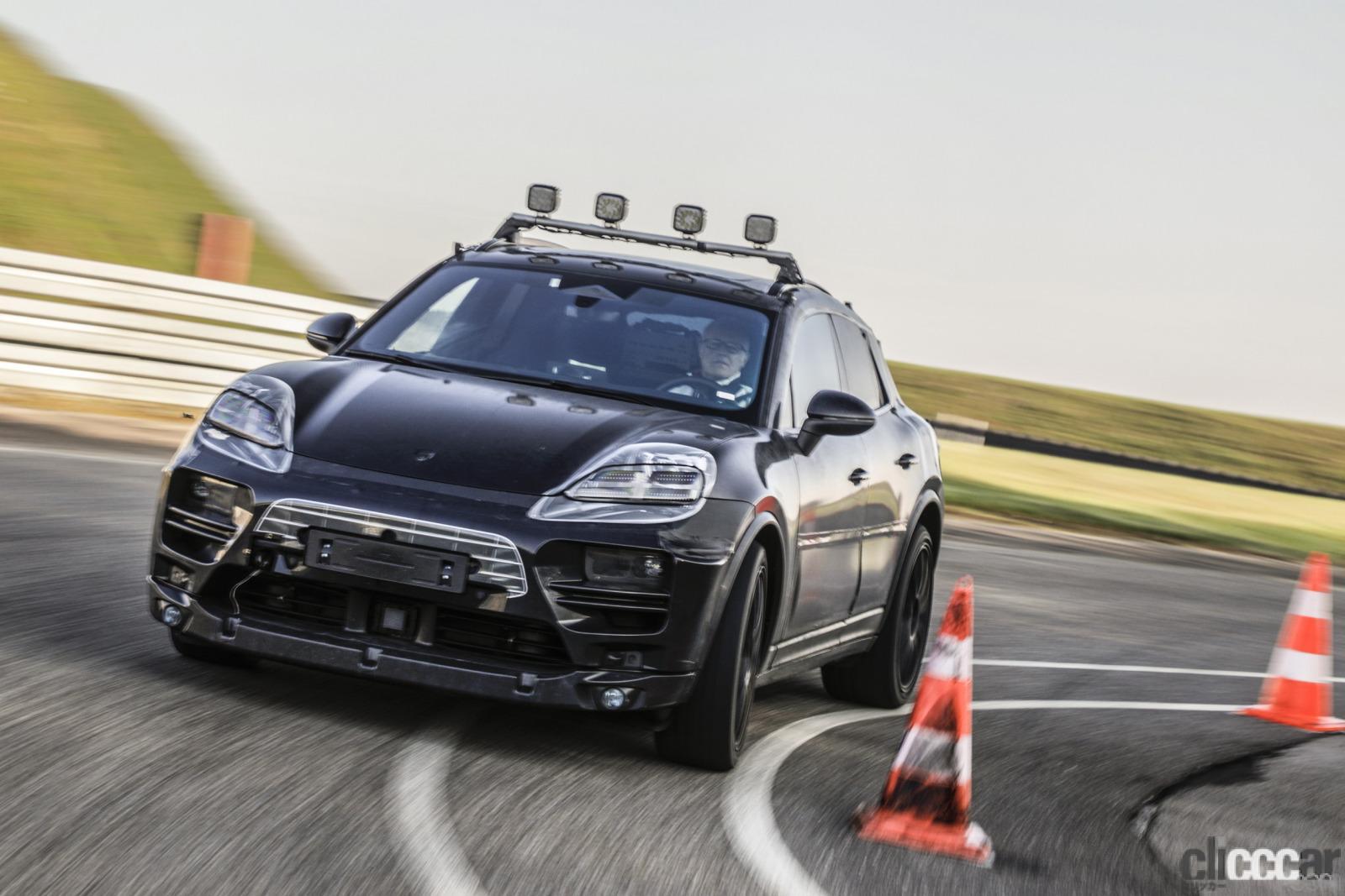 「ポルシェ・マカン次世代モデルは電気自動車とエンジン車の二本立て」の2枚目の画像