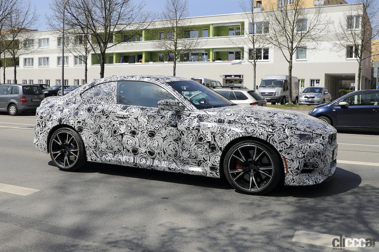 「筋肉質のボディ見えた! BMW 2シリーズこれが最終デザインだ」の3枚目の画像