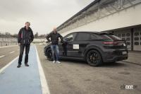 6月下旬デビューへ! ポルシェ カイエン新高性能グレード、プロトタイプを公式リーク【動画】 - Porsche-Cayenne-Turbo-Walter-02