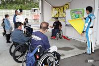 クルマの楽しさでバリアを吹き飛ばす。下肢障害者のためのドライビングスクールをHDRSが開催! - hdrs_driving_school_04
