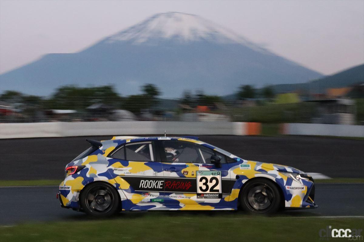 「水素エンジン、斯く戦えり。世界初の水素エンジンレーシングカーでトヨタの社長がレースを走った【スーパー耐久2021】」の17枚目の画像