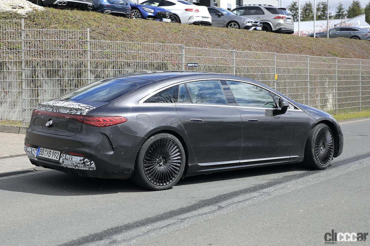 「メルセデス・ベンツの最速EVセダン「AMG EQS」、ついに市販型デザイン露出!」の7枚目の画像