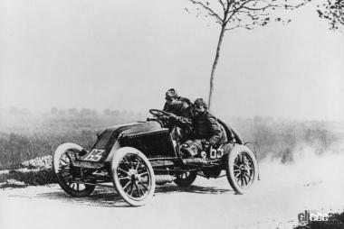 1903年のレース風景(C)Creative Commons