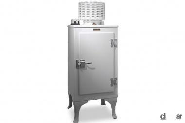 日本初の冷蔵庫(引用:東芝未来科学館HP )